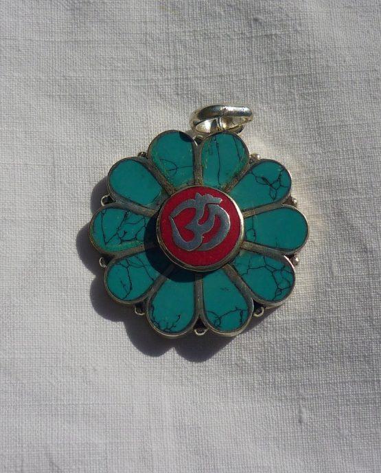 amuleto tibetano om