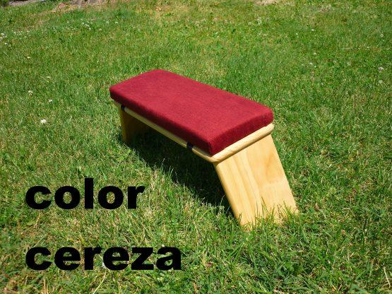 banco de meditacion color cereza