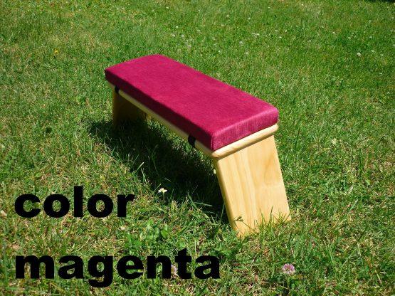 banco de meditacion color magenta