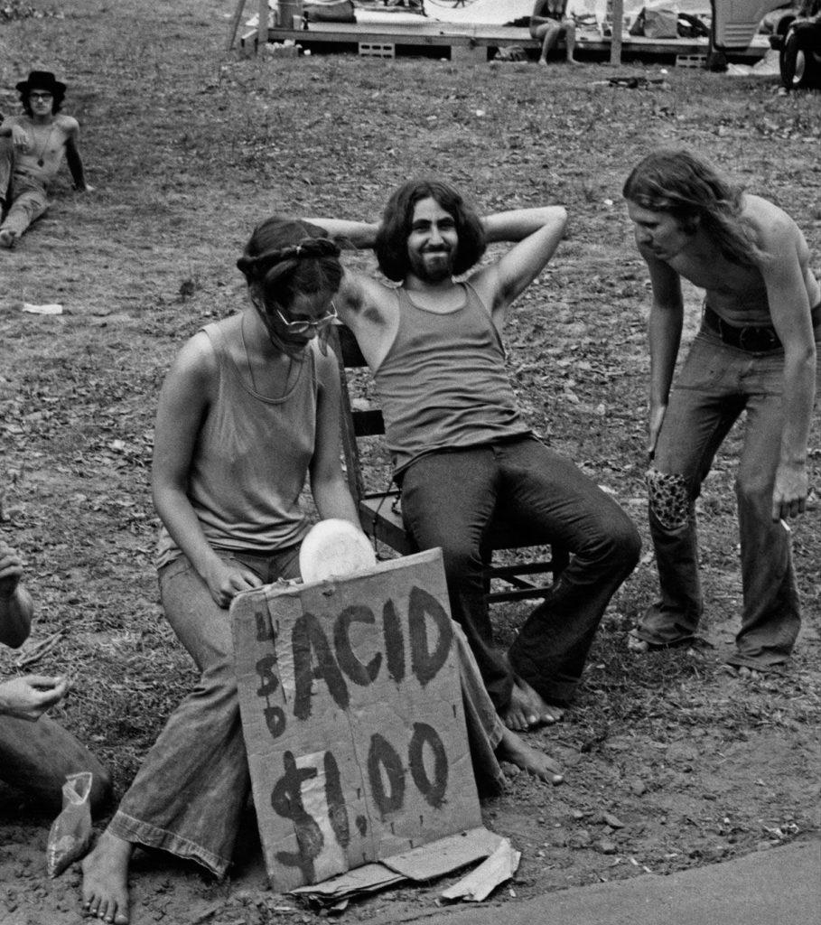 Venta de drogas durante el concierto en Woodstock